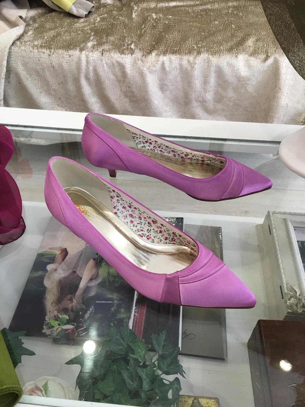 Chaussures couleur sur mesure chez Agnès Szabelewski.jpg