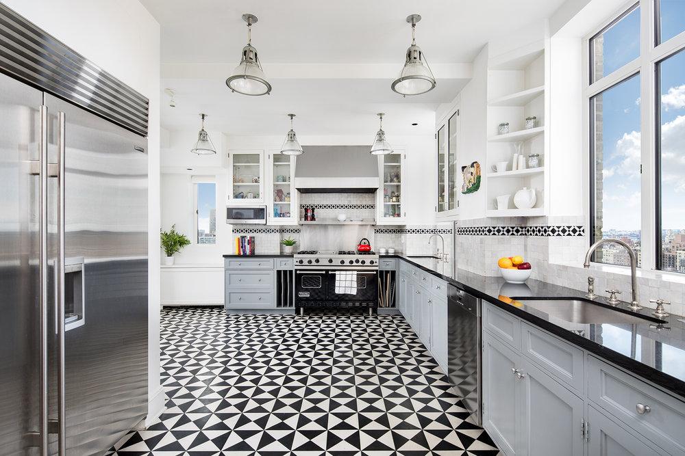 Diane-Keatons-Starter-Apartment.jpg
