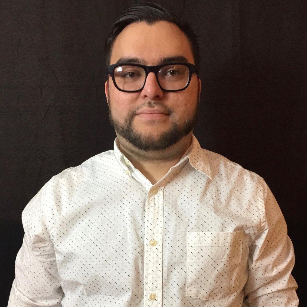 Pastor Saul Marquez Jr. - Asistente a la Directora