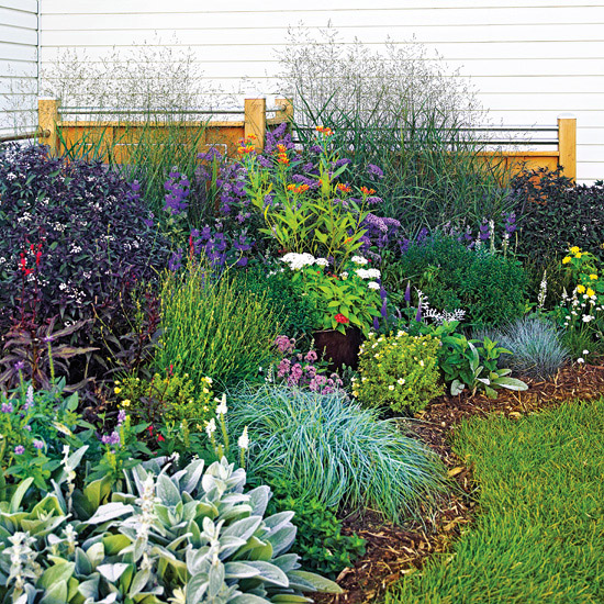 The myth about small landscaping projects glinorcal Better homes and gardens flower bed designs