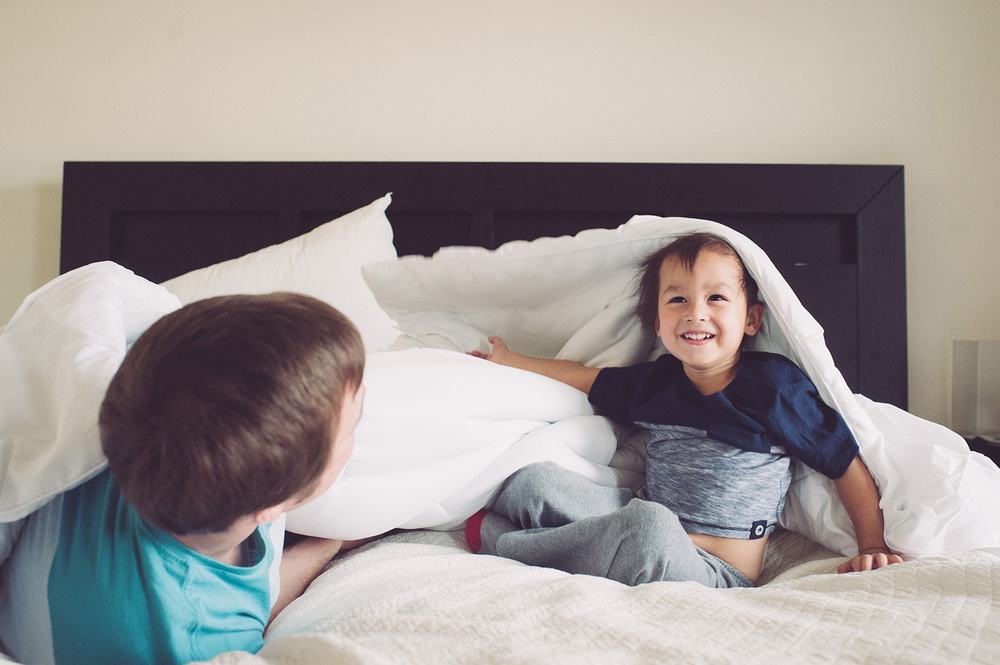 GOOD MORNING SESSION Documentary-style family photo session in your home, capturing the things you want to remember about your life right now: your kids in their pajamas, making breakfast together, laughing. The good stuff.