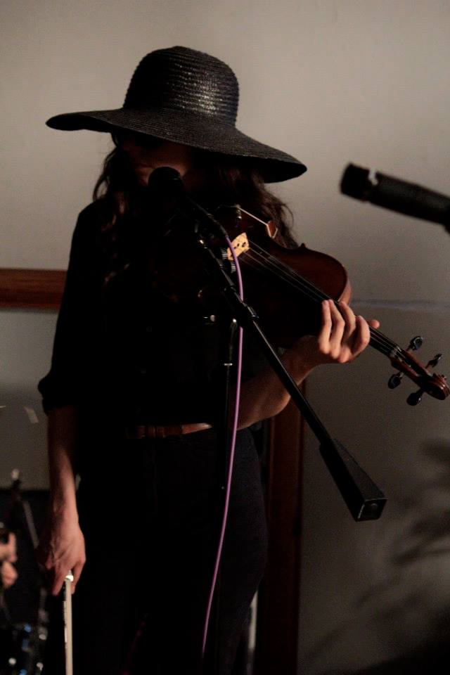 Amanda Jo Williams filmed live performance (photo by Chris Carlone)