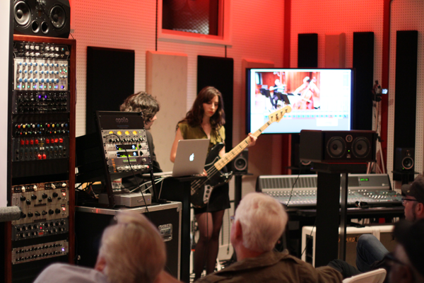 Fab Dupont live tracking demo of  Universal Audio Apollo 16 recording interface at VKLA, 2013