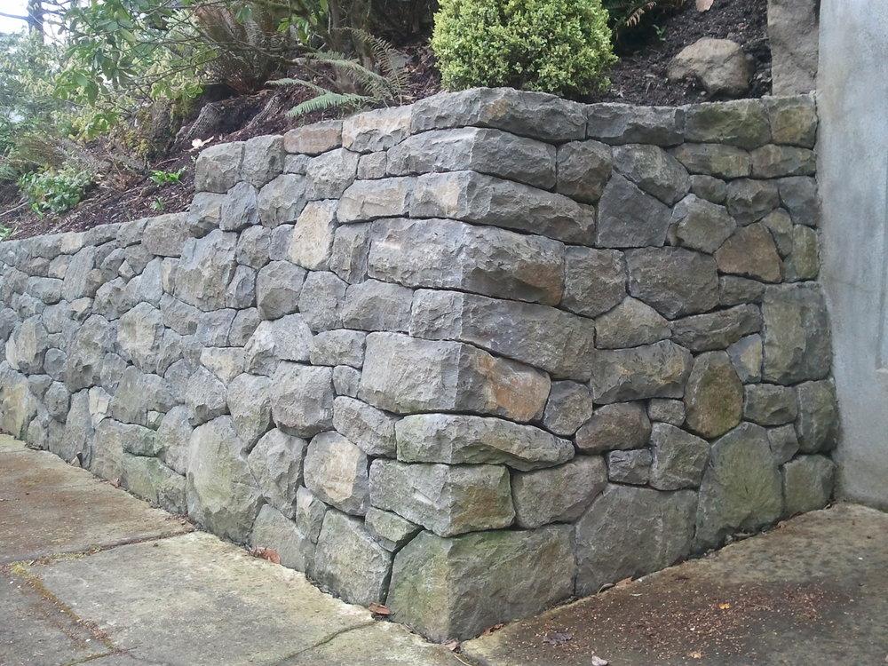retaining wall1.jpg