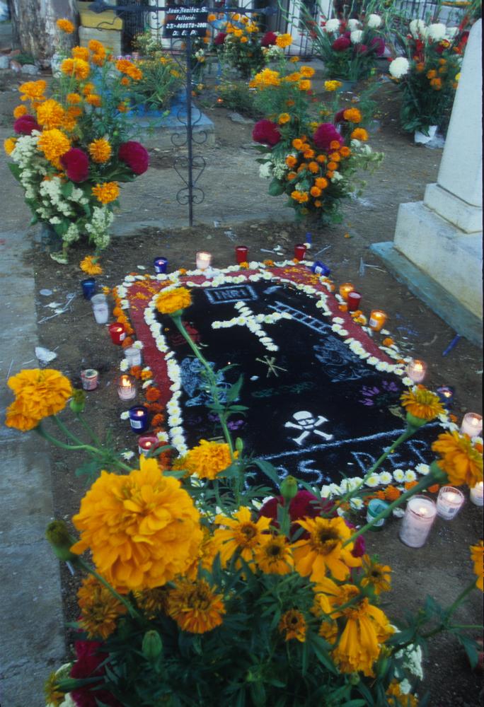 NM13-Grave.jpg