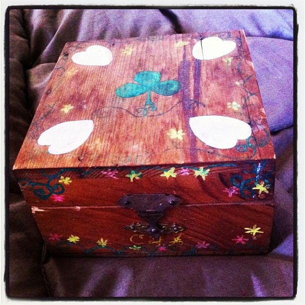 Appreciating a little #magicwoodenbox my papa made for me when i was a little girl. As i get older, i become more and more grateful and aware of the precious fleetingness of life…