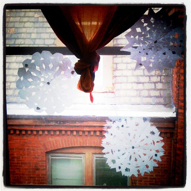Winter #snowflake magick that my roomate left in the #window!