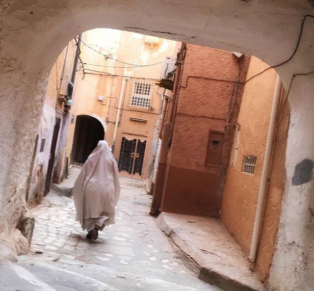Ghostly figures of Ghardaia II. Algeria.  #Algeria #Algiers #whyiloveafrica #landscape #urbanlandscape #cityscape #iPhone7 #urban #dailylife