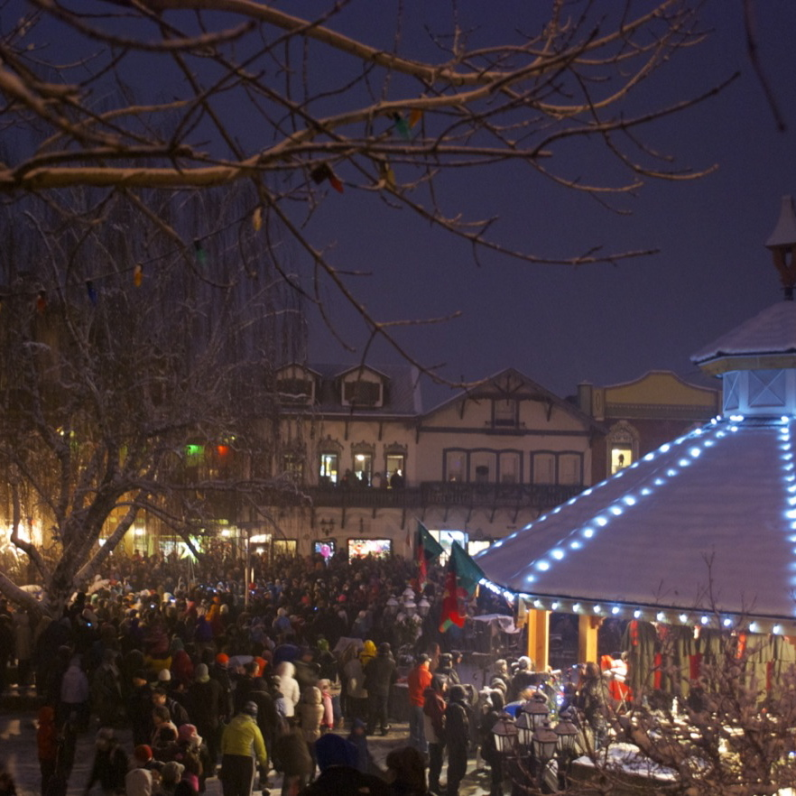 Getaway to Leavenworth Tree Lighting + Round Trip Transportation December 2014