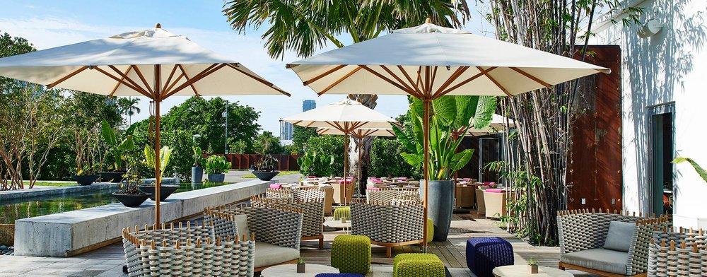 High Quality The 10u0027 Square Levante Commercial Market Umbrella Enhances The Decor Of  This Miami Hot Spot