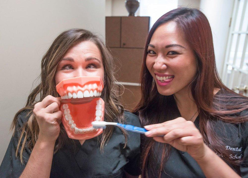 brush_w_teeth.jpg