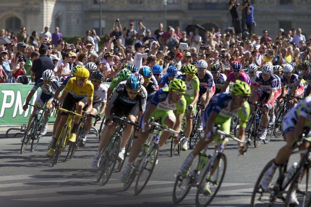 More Bradley (in the yellow jersey) at Le Tour de France.