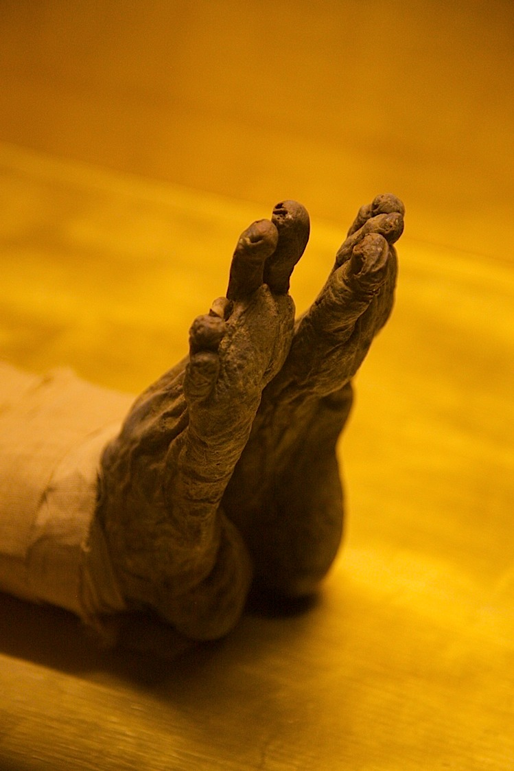 ...And these are his feet and 9 remaining toes. (Again at Saqqara, about 40mins south of Cairo).
