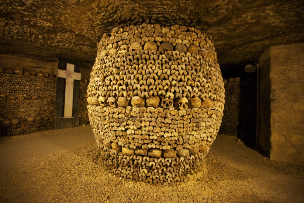 More skulls and bones in the catacombs.