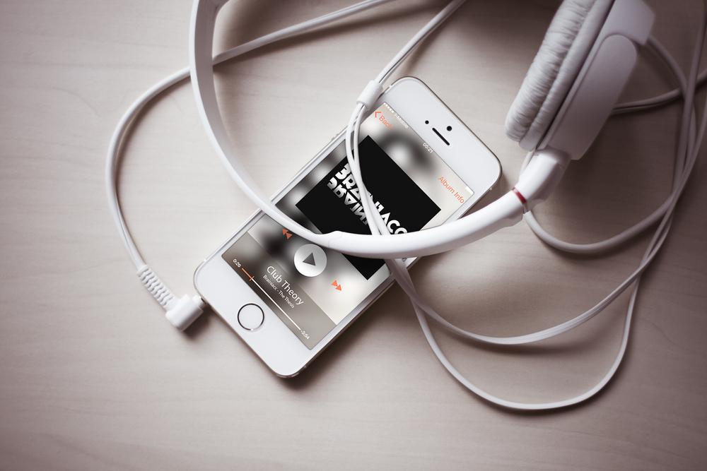 brainiacc-iphone-display.jpg