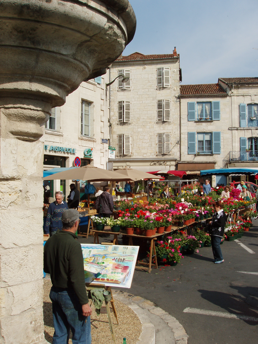 Perigueux, France market day.jpg