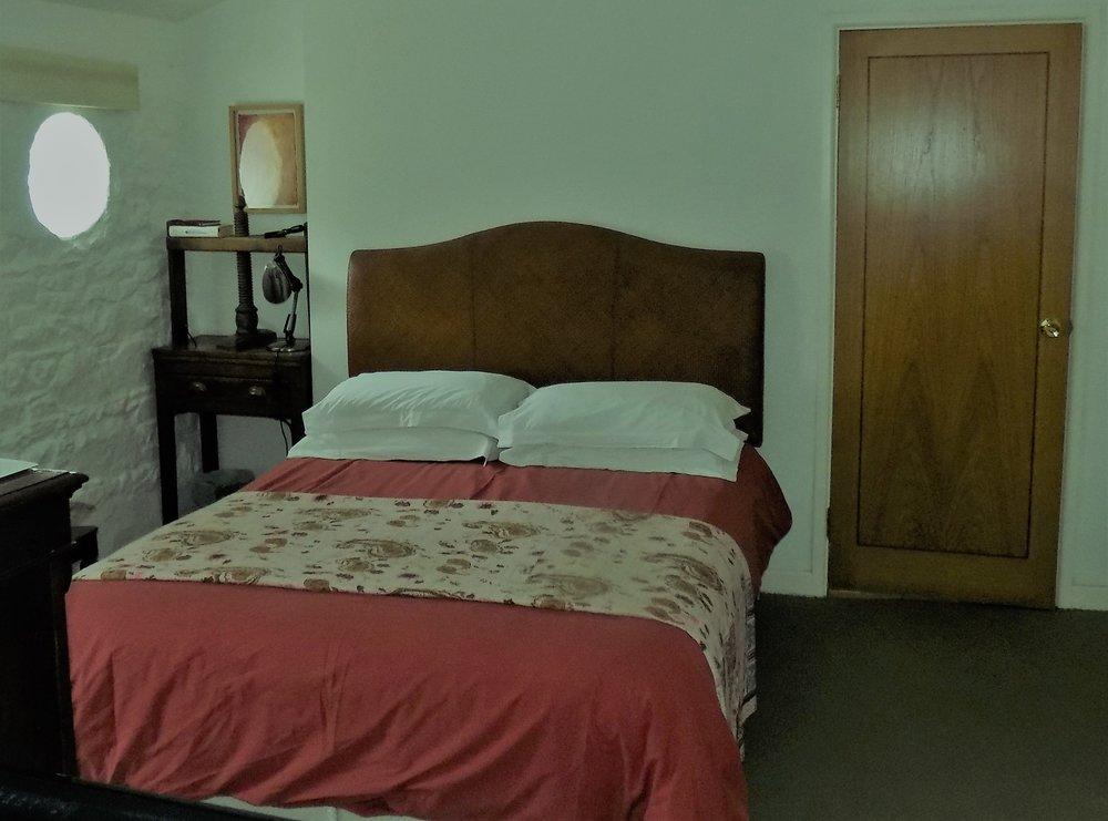 Room 6a.jpg