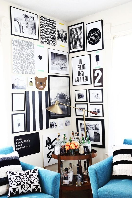 Love a good gallery wall. PLUS the bar cart….chicx2!  apartmenttherapy: (via Creating a Home: 15 Ideas for Making & Displaying Art | Apartment Therapy)