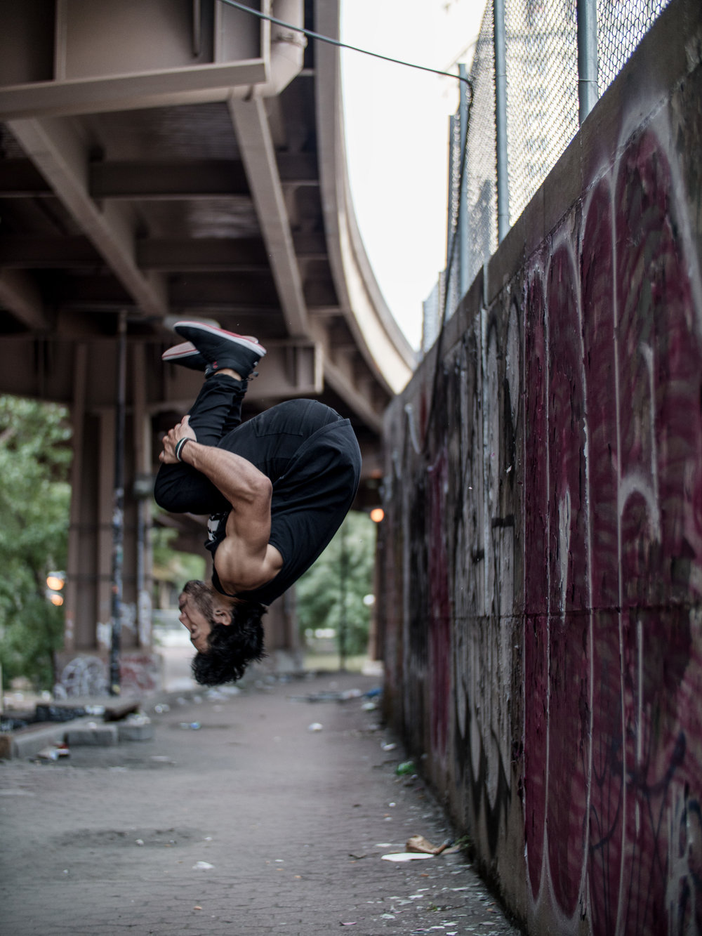 Mike-Araujo-Parkour-Motus-Projects-Parkour-Denims-New-York-NYC-NY-Manhattan-Vanguard-Backflip-Palmflip-flip-Brooklyn-Banks-Steve-Zavitz