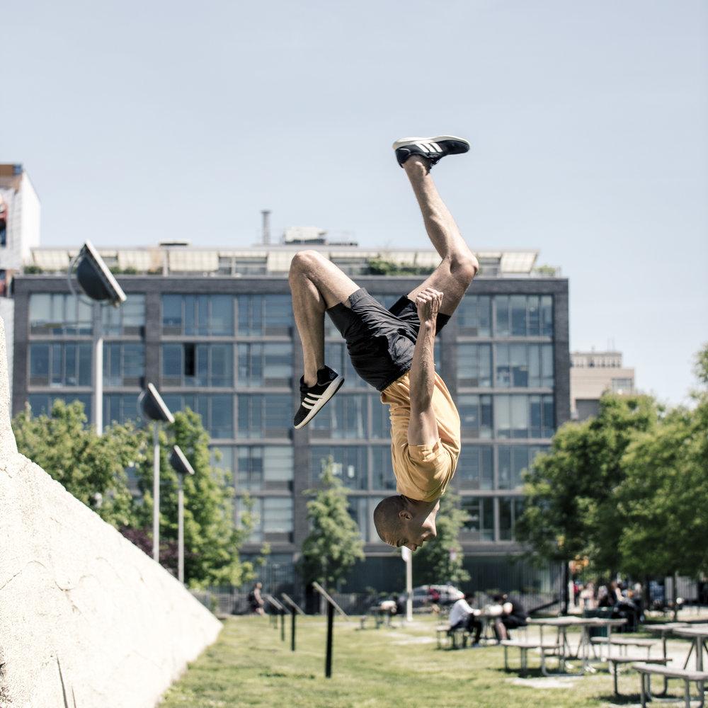 Miguel-Southee-Steve-Zavitz-Parkour-NYC-Freerunning-Spec-Flash-Kick-Backflip