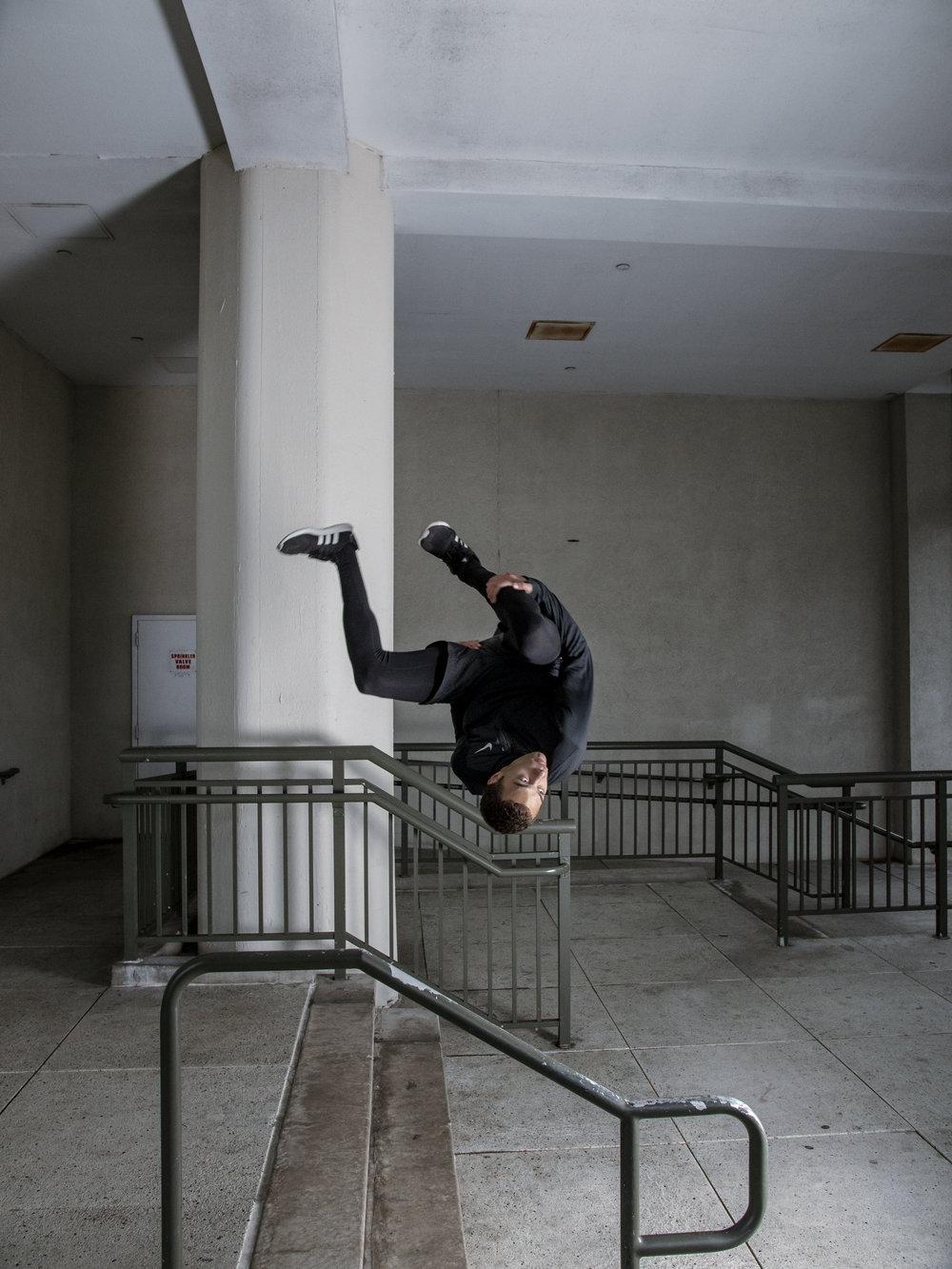 Miguel-Southee-Steve-Zavitz-Parkour-NYC-Freerunning-Spec-Sideflip-Nike
