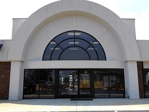 Front Entrance - Acacia First Care Dermatology Serving Lawrenceburg TN, Pulaski TN,  Waynesboro TN - by Dermatologist Robert Chen.jpg