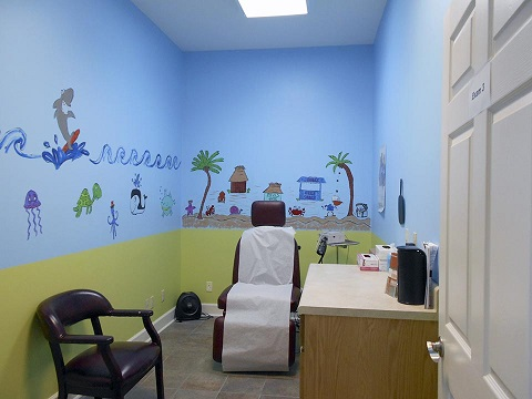 Room 3 - Acacia First Care Dermatology Serving Lawrenceburg TN, Pulaski TN,  Waynesboro TN - by Dermatologist Robert Chen.jpg