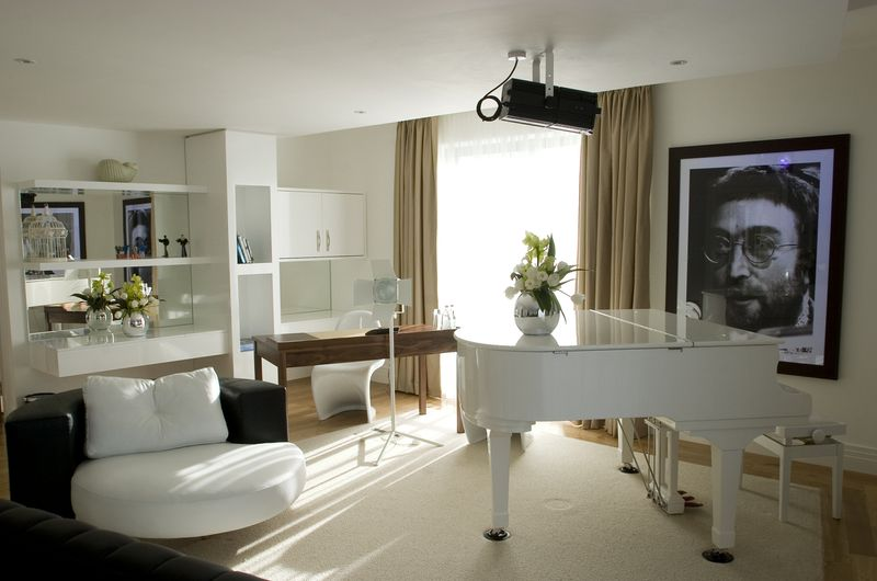 The Lennon suite at the Hard Day's Night Hotel (c) Ellie Laycock