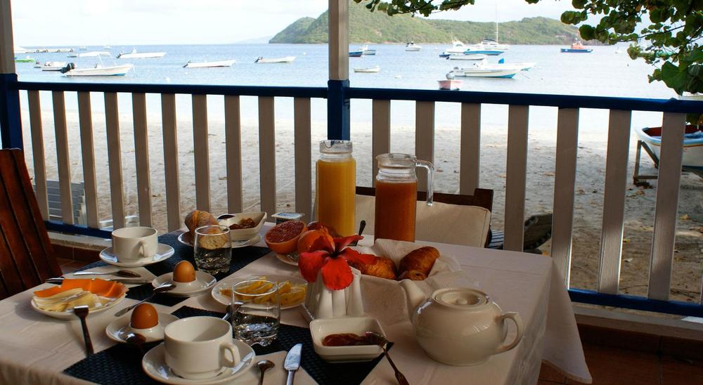 Breakfast is included in the room rate (so are the epic views). Image courtesy of LoBleu Hotel.