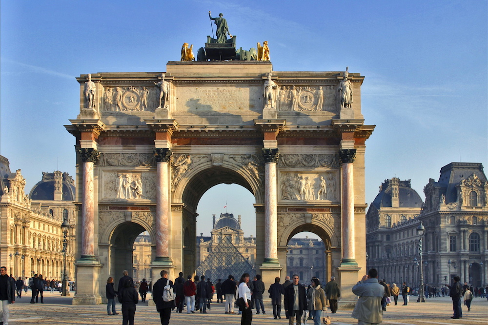 Paris' Arc de triomphe du Carrousel. Image courtesy of Atout France/Michel Angot.