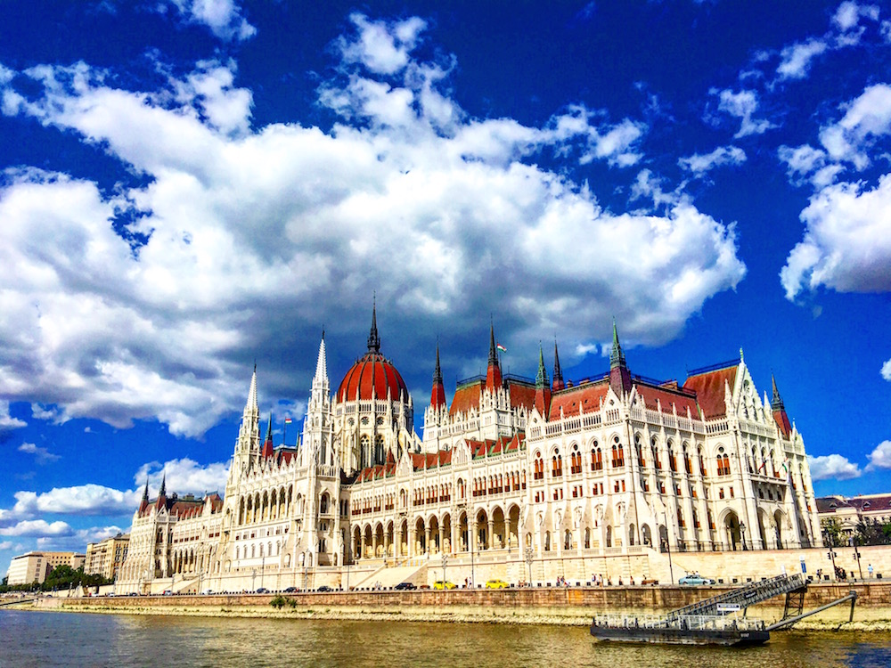 One of Sabrina's stops this summer was in Budapest, Hungry, where she explored the Hungarian Parliament building and snapped this stellar pic. 🙌