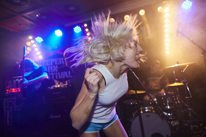 Amyl and the Sniffers at the Reeperbahn Festival. Image courtesy of Svenja Mohr Kopi.