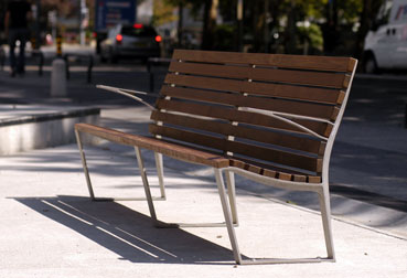 LEMAN bench / 2300 mm / cast aluminum / IPE wood
