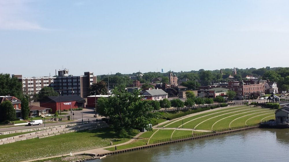 2016WIKI_DowntownJeffersonville_June13.jpg