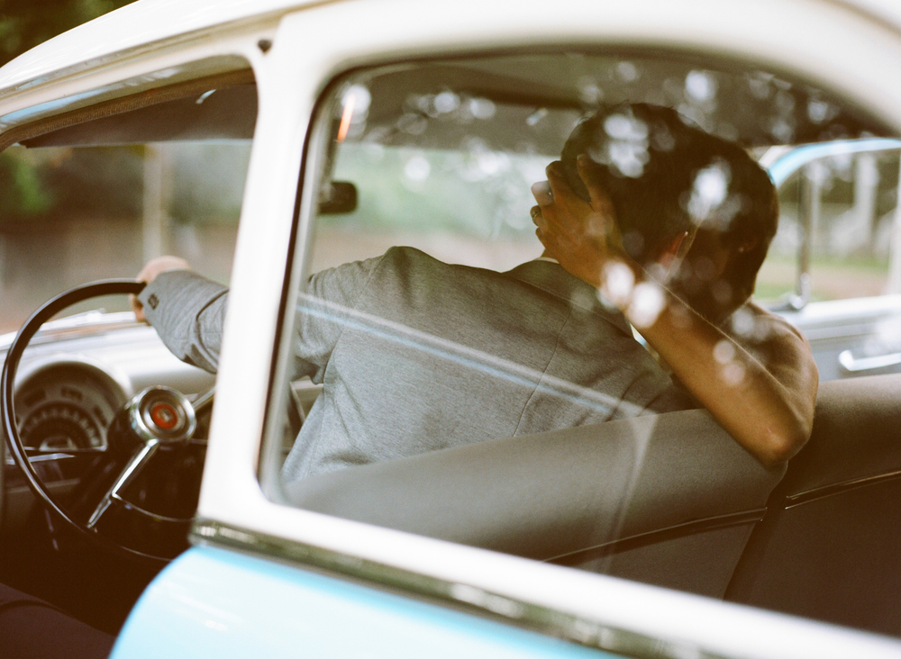 Vintage Cars- 8 Awesome Alternatives to Sparkler Exits - Photo: www.kristinsweeting.com