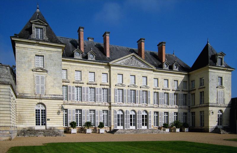 Chateau_de_Montgeoffroy_1