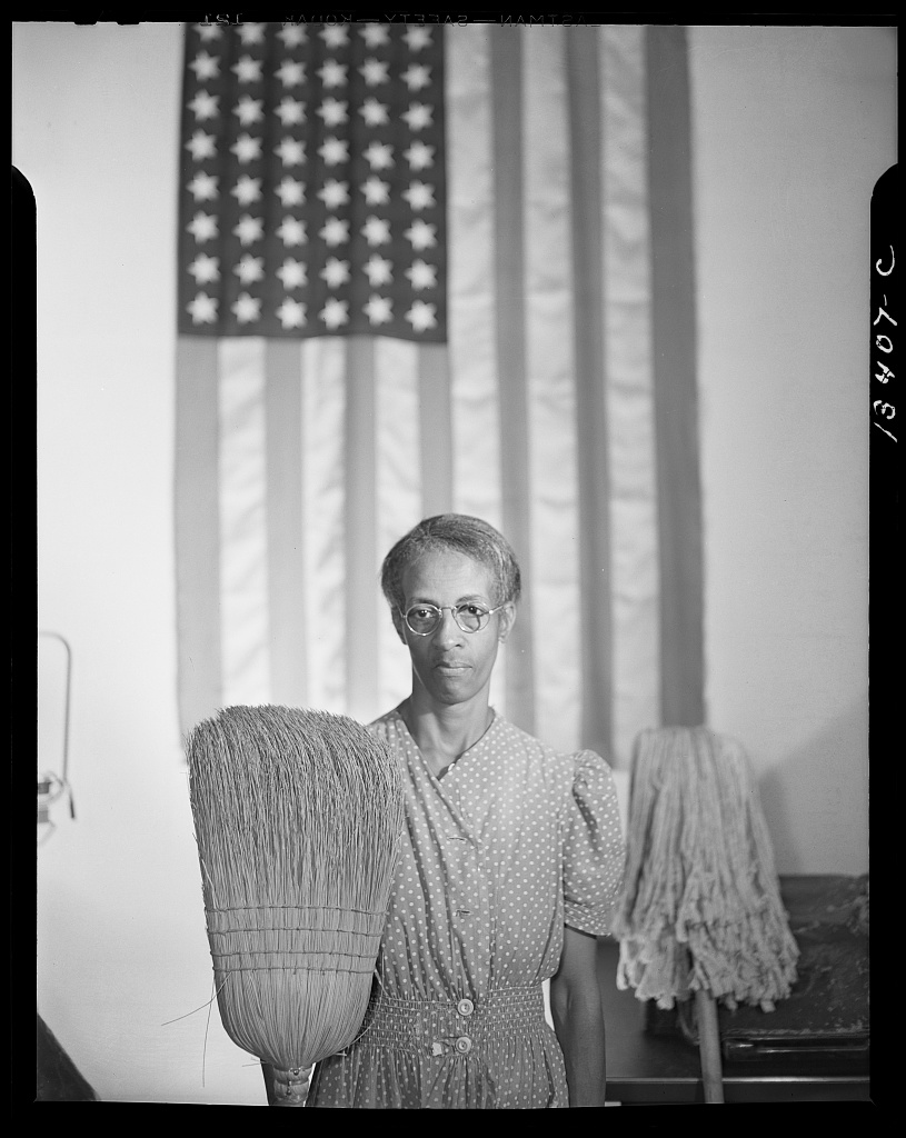 American Gothic,  Washington, D.C., 1942  | Gordon Parks