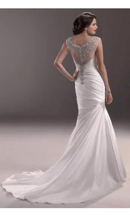Maggie-Sottero-Fit-To-Flare-Landyn-3MS754-Back.jpg