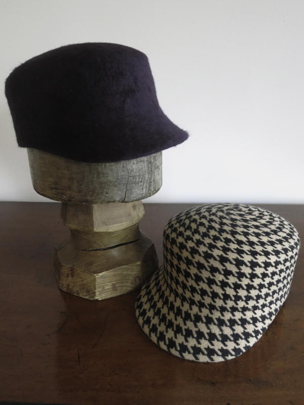 The Gigi. A cute cap in fur felt, Melusine or Wool. Here in a lux purple Melusine and wool houndstooth print.
