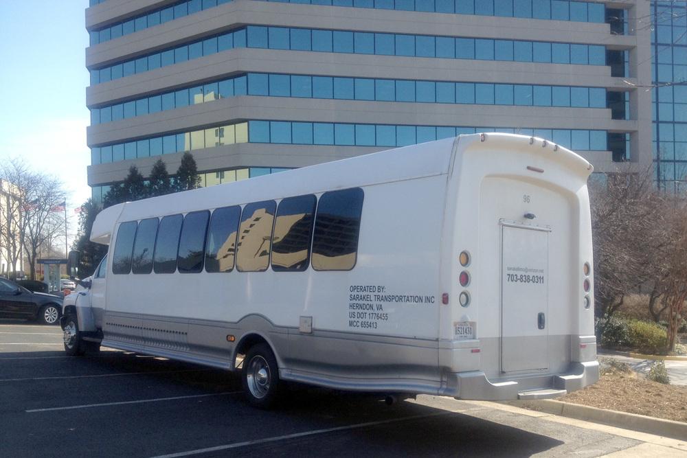 sarakel-limo-large-bus.jpg