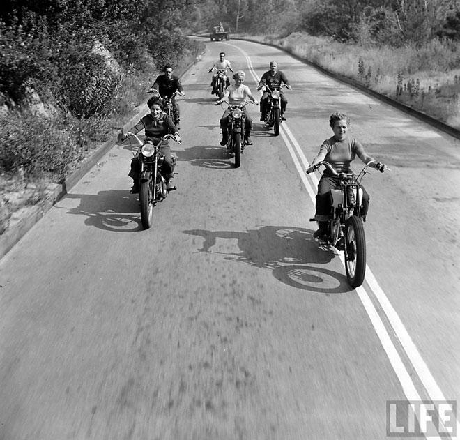 bike-girls-002.jpeg