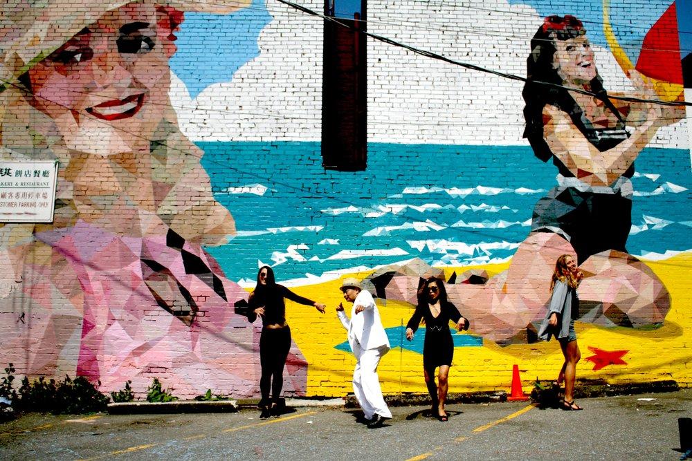 mural-disco-bright.jpg
