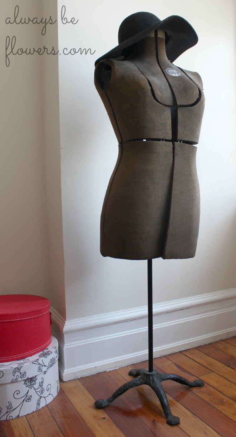 vintage-dress-form.jpg