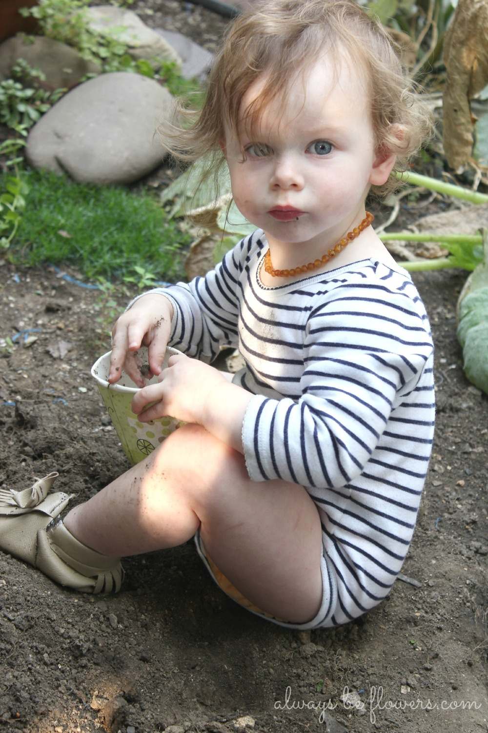 toddler-gardening-dirt.jpg