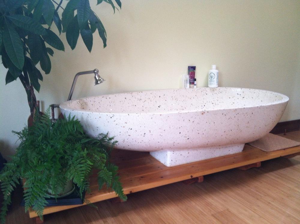 indonesian bathtub
