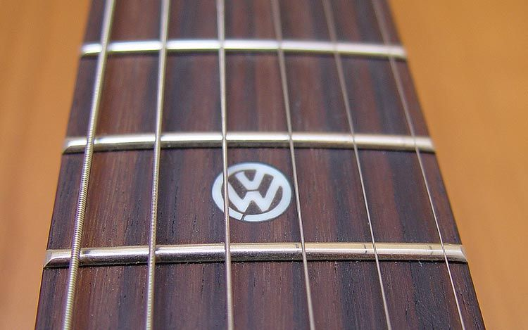 112_0703_13z+first_act_VW_garage_master_guitar+vw_inlay.jpg