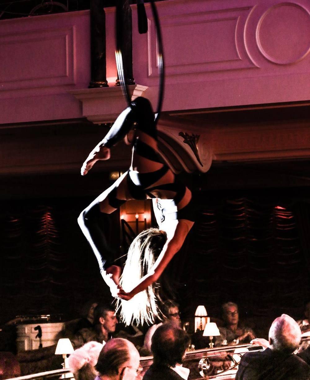 luftring, aerial hoop, luftakrobatin, aerial artist, aerialist berlin, luftartistin,