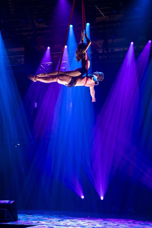 duo straps, acrobatic duo, berlin luftakrobatik showact für events