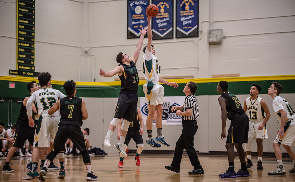 The Argyle Pipers scored early and often in a dominant performance in their opening round game of the 2018 AAA Howe Sound Championships.