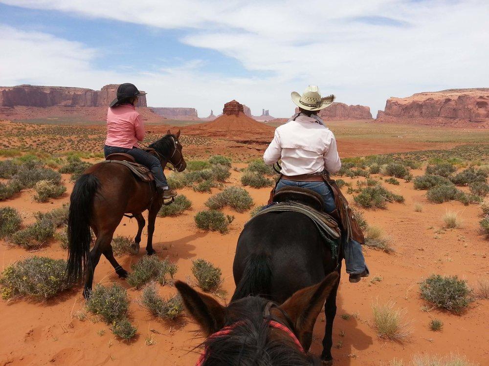 UT- Monument Valley near Moab0.jpg